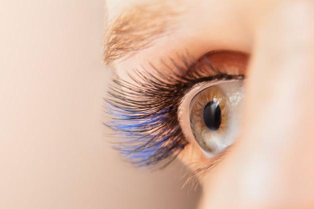 Colour eyelash extensions